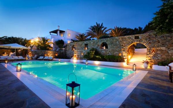 garten-pool-luxuriöse-ausstattung - herrliche ausstattung