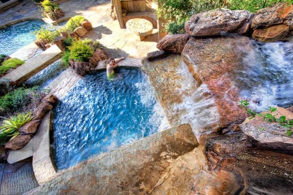 garten-pool-schönes-foto-von-oben-genommen