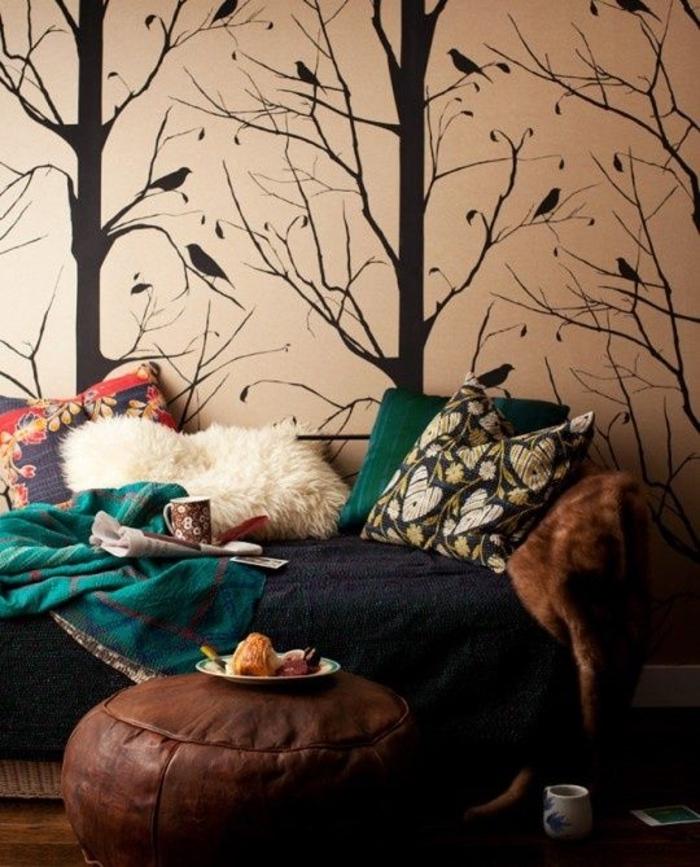 gemütliches-Schlafzimmer-Boho-Design-Wanddeko-Waldmotive
