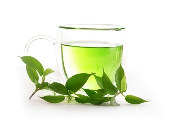 grüner-tee-elegante-schöne-tasse