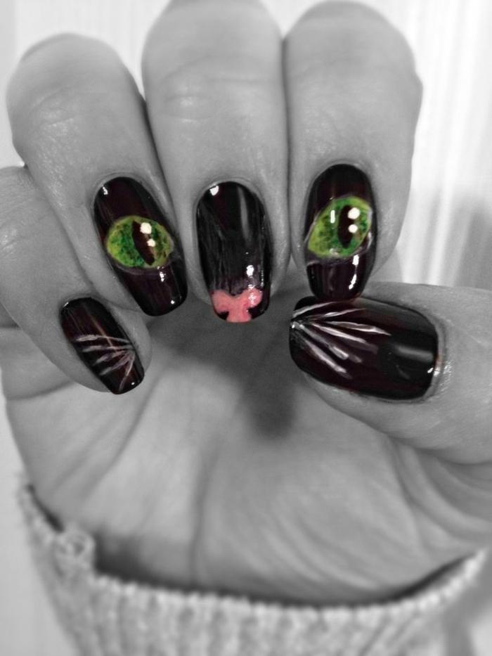 halloween-nägel-graues-design-schwarze-nägel