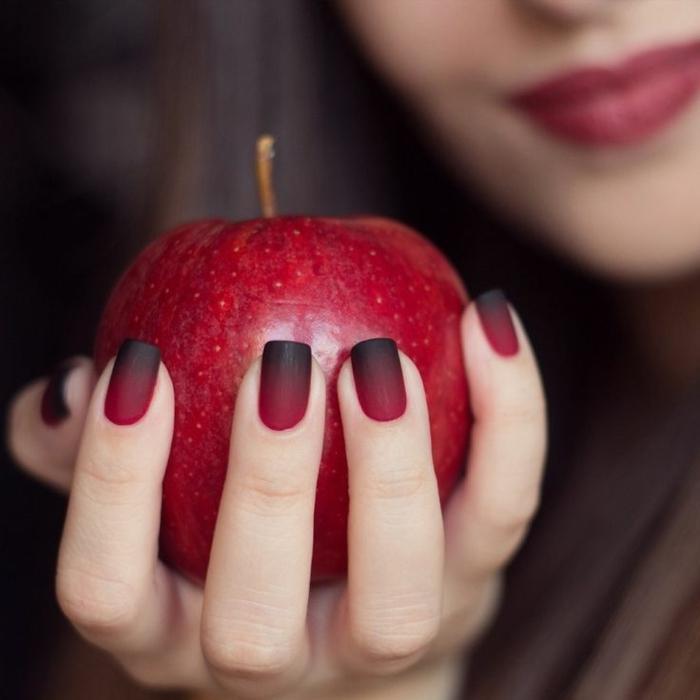 halloween-nägel-roter-apfel