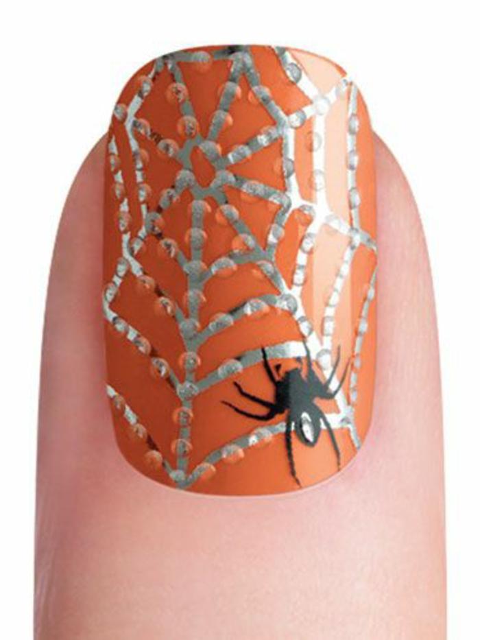 halloween-nägel-super-interessantes-design-weißer-hintergrund