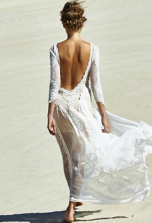heiraten-am-strand-braut-in-einem-schönen-kleid