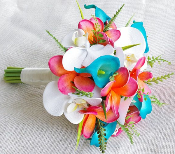heiraten-am-strand-bunter-blumenstrauß