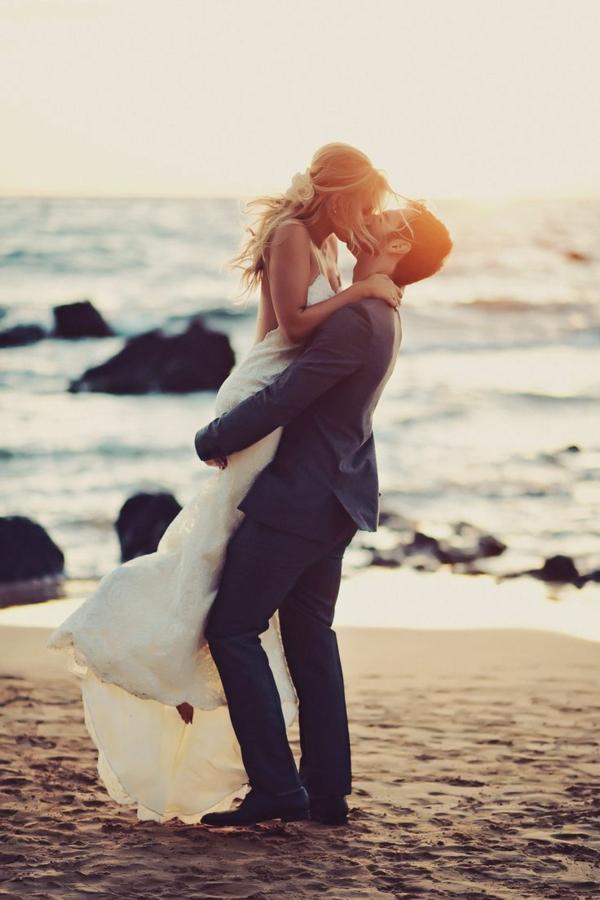 heiraten-am-strand-großer-kuss