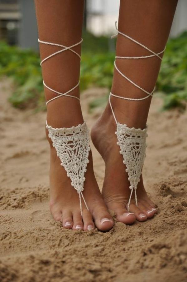 heiraten-am-strand-kreatives-design-von-schuhen-für-braut