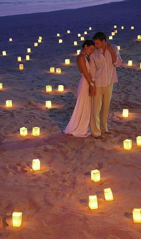 heiraten-am-strand-leuchten-auf-dem-sand