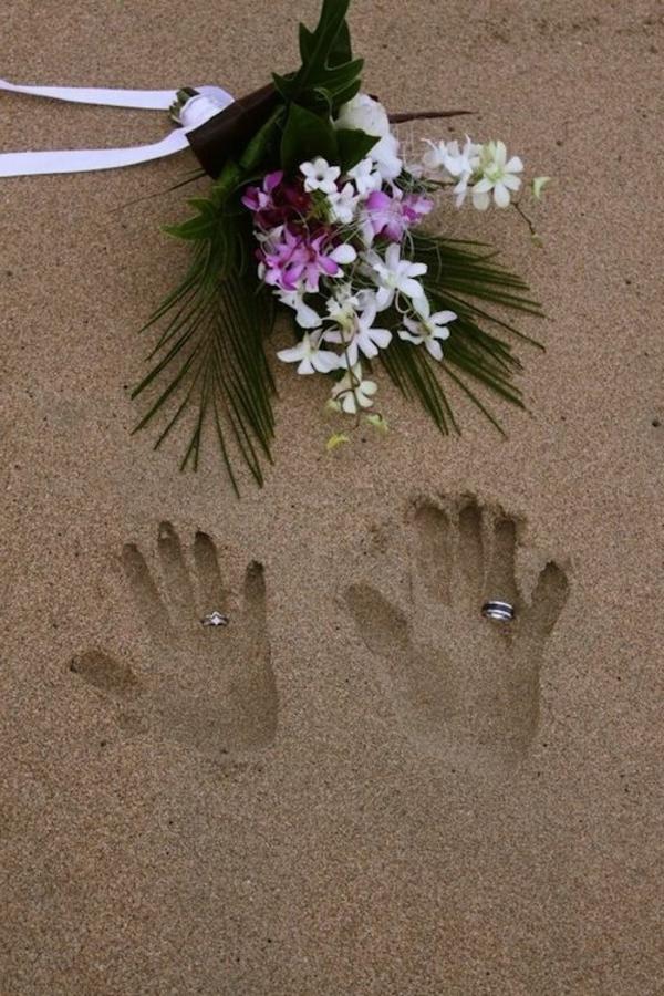heiraten-am-strand-ringe-auf-dem-sand