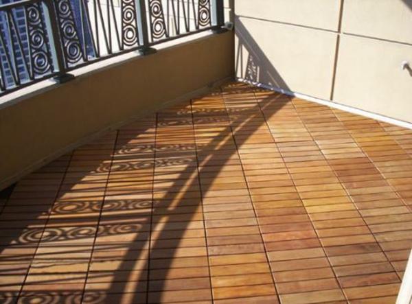 holzfliesen-für-balkon-große-moderne-gestaltung