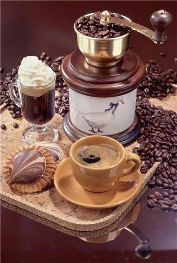 italienische-Kaffeebohnen-Mühle-Cappucchino-Kaffeetasse-Kekse