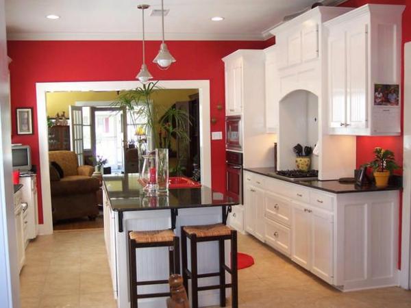 wohnzimmer rote wand:Badezimmer mit Duschkabine und roten Fliesen