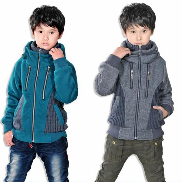 kleider-für-jugendliche-toller-junge-weißer-hintergrund