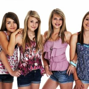 Tolle Kleider für Jugendliche! Ultramoderner Look!