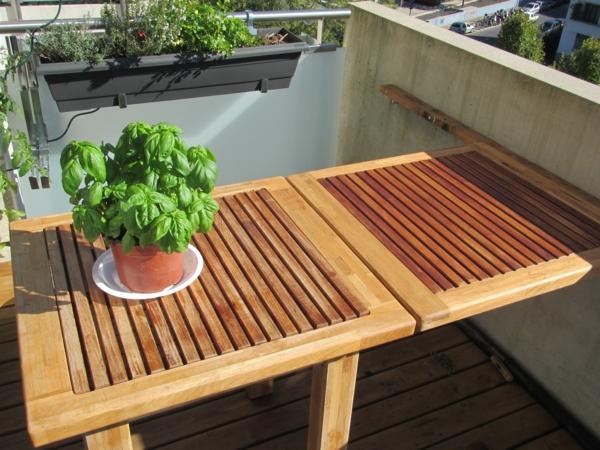 Klapptisch für Balkon - eine fantastische Idee ! - Archzine.net