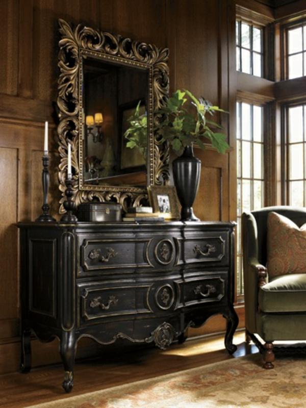 Gestaltung Großer Flur : aristokratisches aussehen  großer spiegel mit einem interessanten