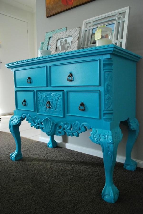 kommode-für-flur-retro-modell-in-blauer-farbe - bilder darauf