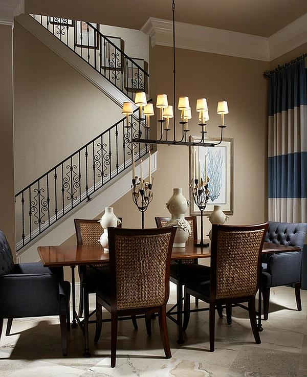 korbstühle-für-esszimmer-neben-treppen - interessante hängende lampen