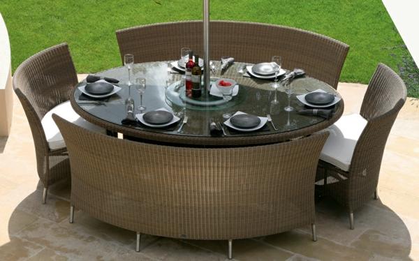 korbstühle-für-esszimmer-schönes-rundes-modell-vom-tisch