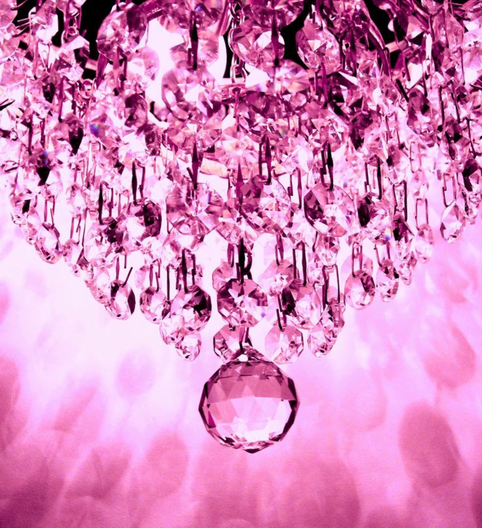 24 ultramoderne kronleuchter in pink richtig klasse. Black Bedroom Furniture Sets. Home Design Ideas