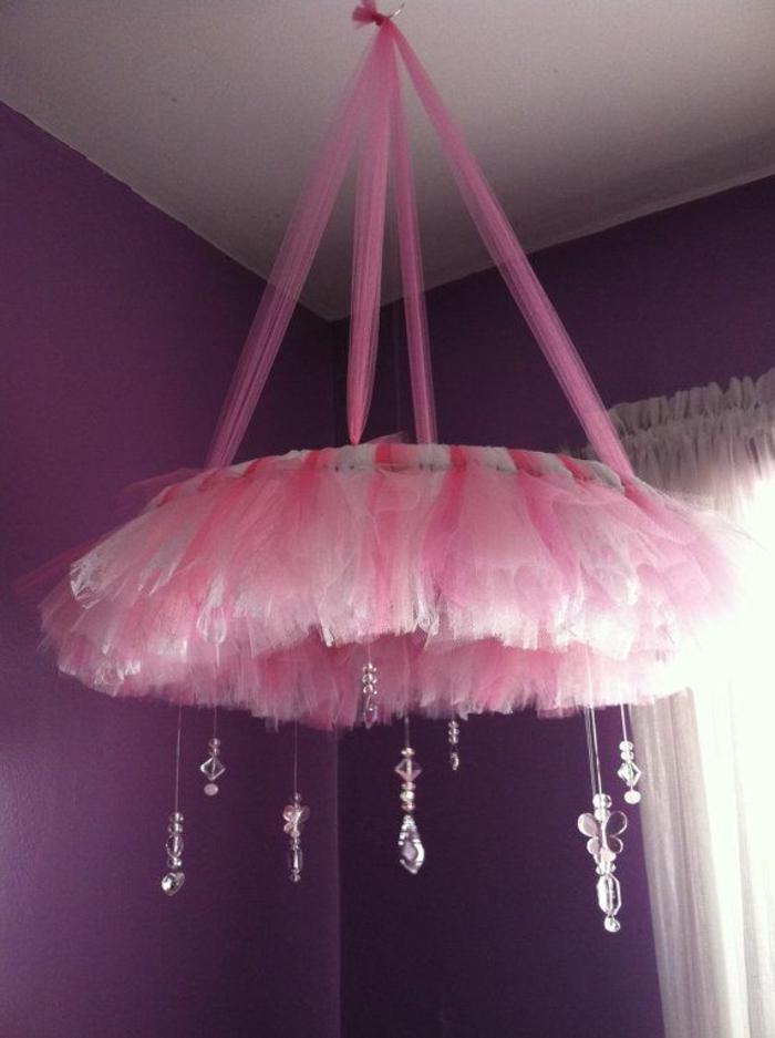 kronleuchter-in-pink-wunderschönes-aussehen