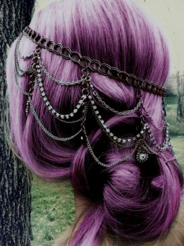 lila-haare-kreativ-dekoriert - tolles aussehen