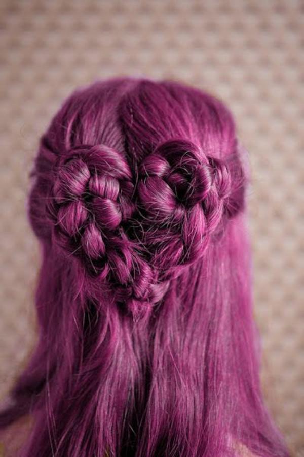 lila-haare-kreative-frisur-herz-aus-zöpfen