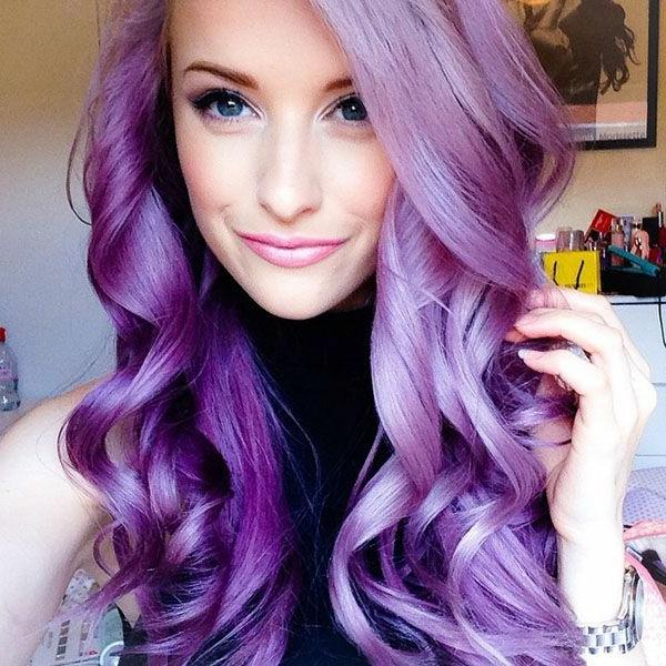 lila-haare-lockige-haare-sehr-cool - tolles aussehen