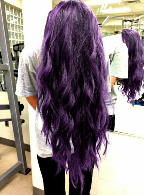 lila-haare-super-lang-sehr-interessant-aussehen
