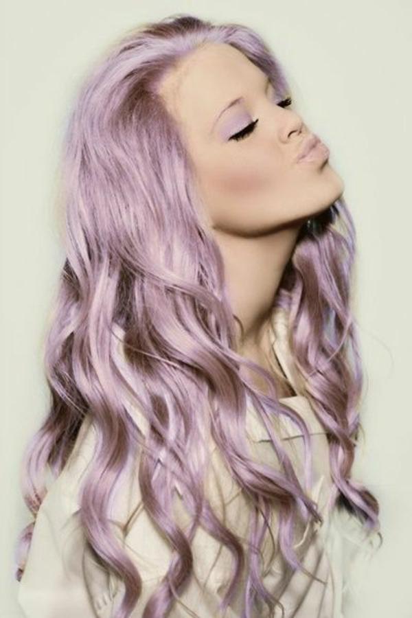 lila-haare-super-schöne-frisur - moderner look