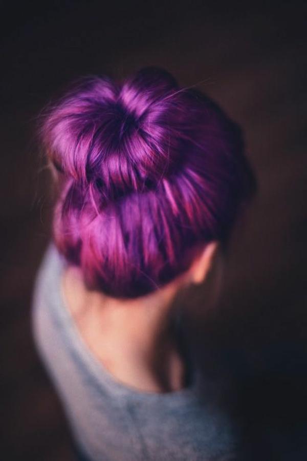 lila-haare-tolle-frisur - modern erscheinen