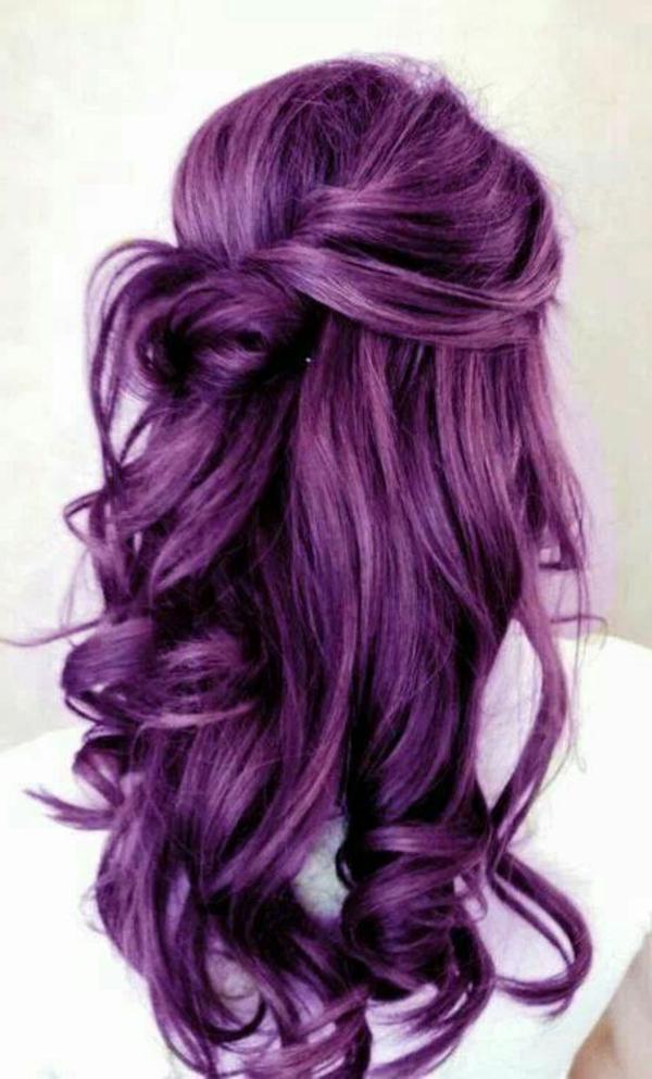 lila-haare-wunderschöne-locken - tolles aussehen