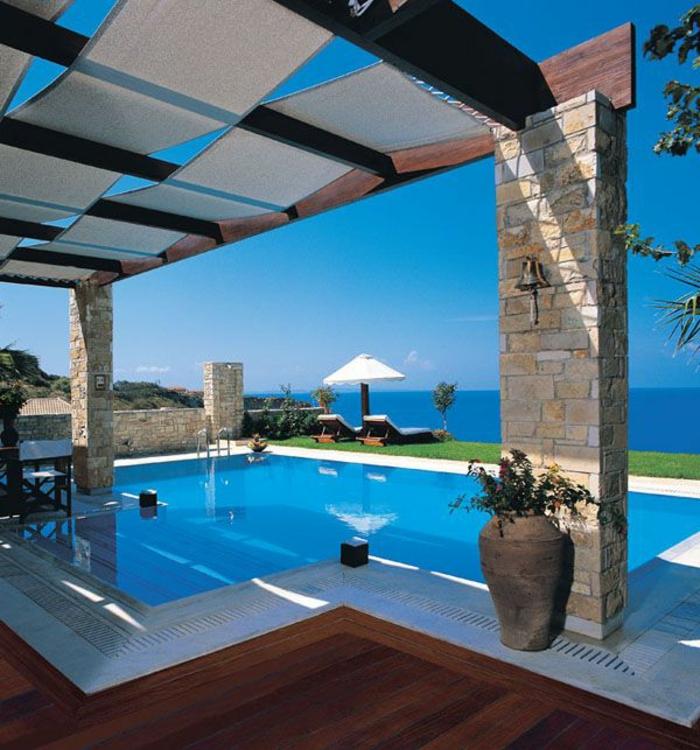 luxuriöse-terrassen   überdachung-von-einem-pool