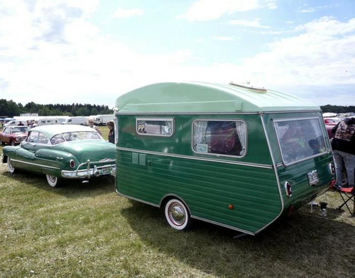mini-wohnwagen-grünes-schönes-modell