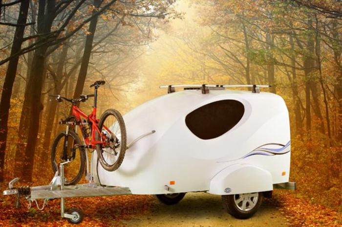 mini-wohnwagen-schickes-elegantes-modell-in-weiß