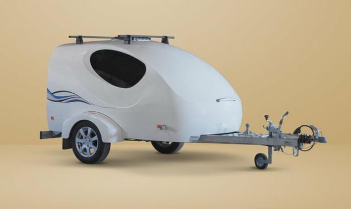 mini-wohnwagen-weißes-interessantes-modell