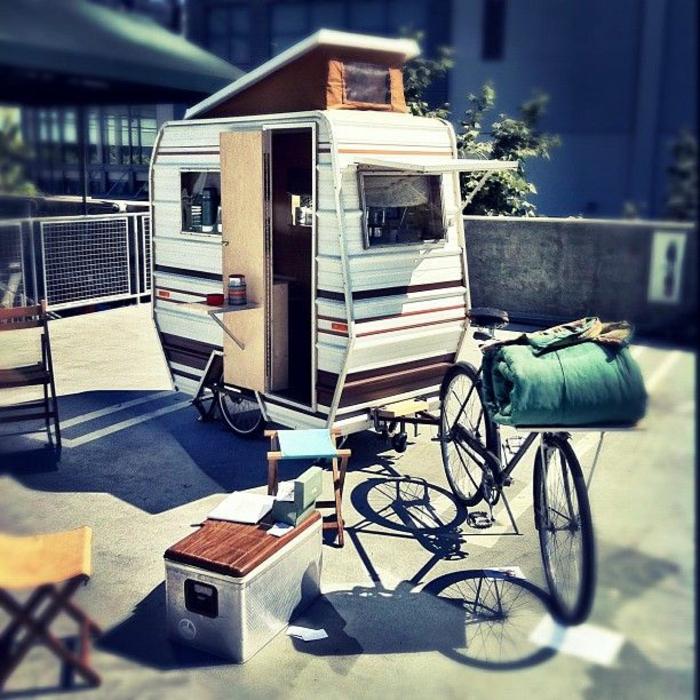52 super praktische mini wohnwagen. Black Bedroom Furniture Sets. Home Design Ideas