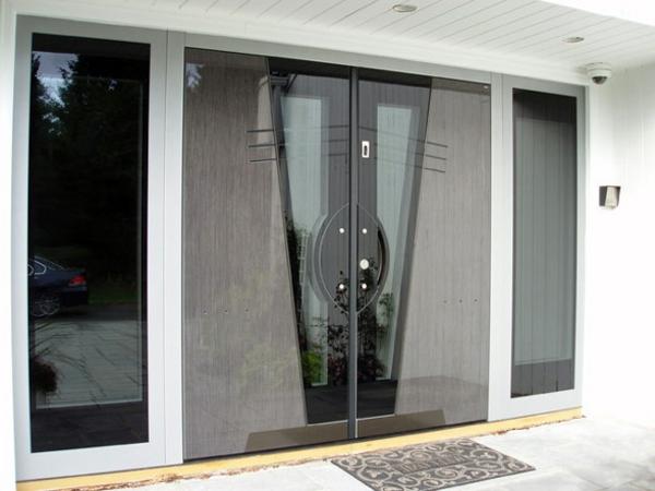 moderne-haustüren-graue-farbe-sehr-interessant-aussehen