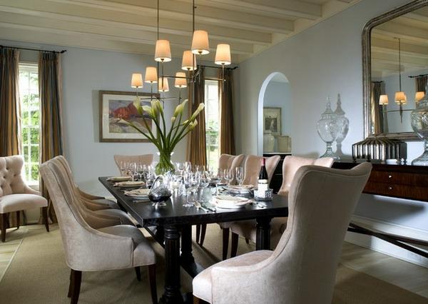 modernes-esszimmer-aristokratische-stühle-schönes-aussehen