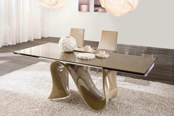 modernes-esszimmer-beige-tisch-zwei-stühle