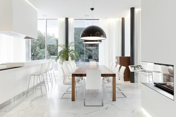 modernes-esszimmer-weißes-attraktives-interieur