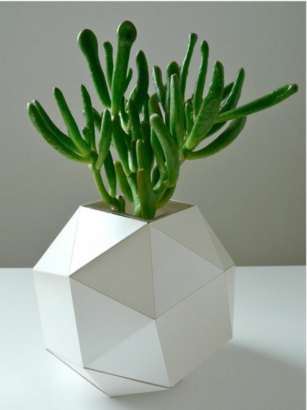 origami-vase-interessantes-weißes-modell