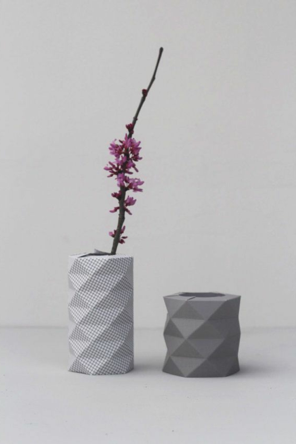 origami-vase-sehr-interessante-modell-in-grauer-farbe