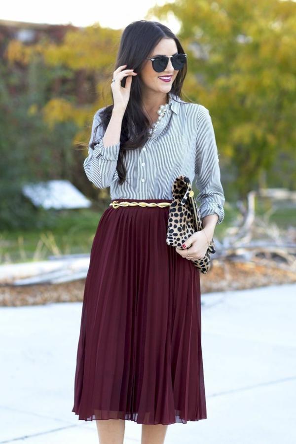 pantone-farbe-marsala-styling-bei-der-kleidung - spaziergang im park