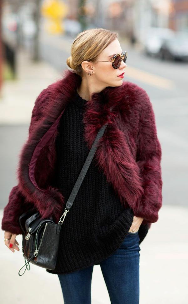 pantone-farbe-marsala-super-moderner-mantel - mit sonnenbrillen