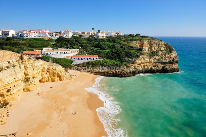 Benagil-beach-Algarve-Portugal