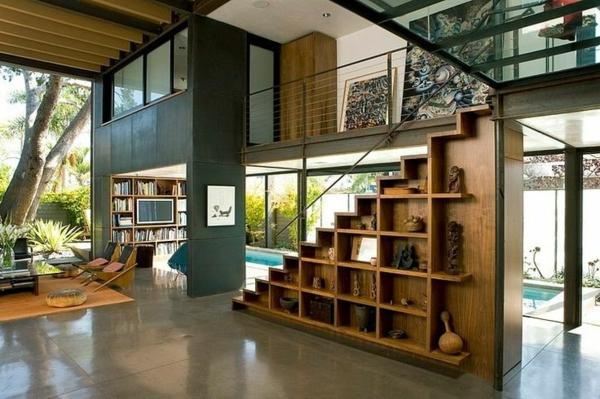 regal-treppe-moderne-und-interessante-innengestaltung-mit-gläsernen-wänden