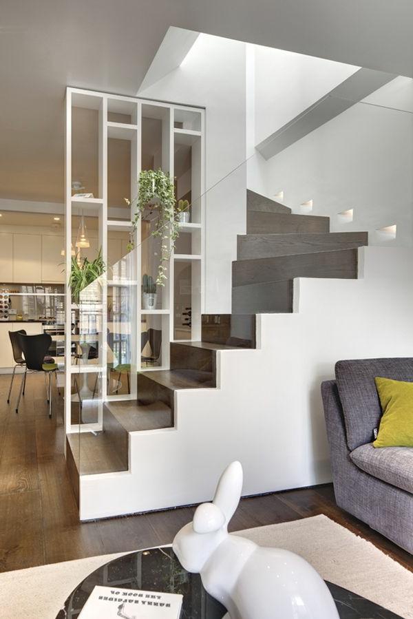 regal-treppe-weißes-modell-sehr-schön