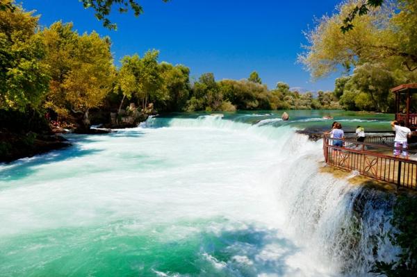 reisen-in-die-türkey-herrliche-wellen-schöne-natur