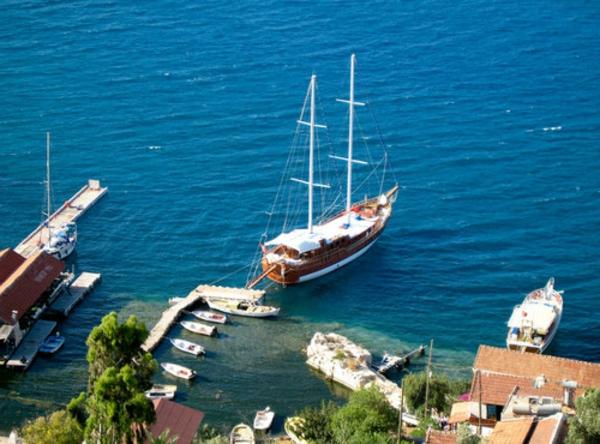 reisen-in-die-türkey-kleine-schöne-schiffe - bild von oben genommen